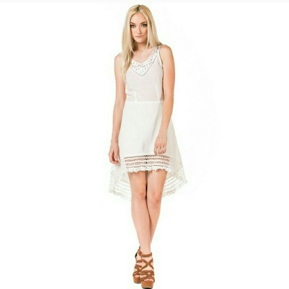 Miilla lace hemmed dress *Price Firm unless bundled* No Trades *   JUST IN! Beautiful high low cotton dress with lace hem. Unlined with side zipper. Perfect for any occasion this summer!   { 15 % off bundles of 2 + listings } Miilla Dresses High Low