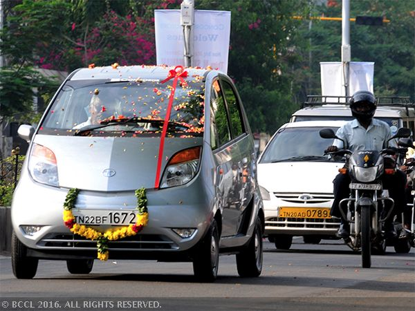 Tata Motors to hike passenger vehicle prices - Economic Times #757LiveIN