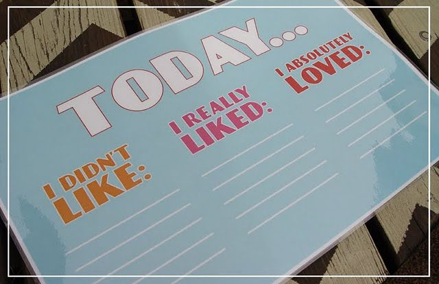 Printables: Dinnertime Doodle Mats - keep them entertained while you finish preparations