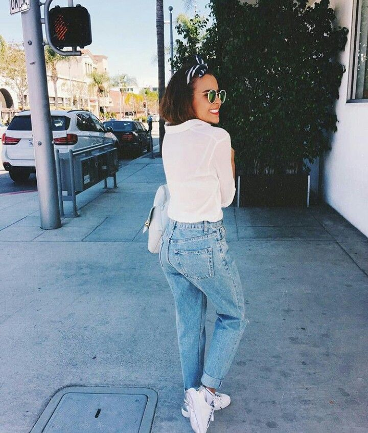 Happy days ●  mom jeans | white top | white sneakers | white bag | sunglasses | spring | outfit | minimalist | denim | short hair | style | street | yuya | youtuber | yuyacst