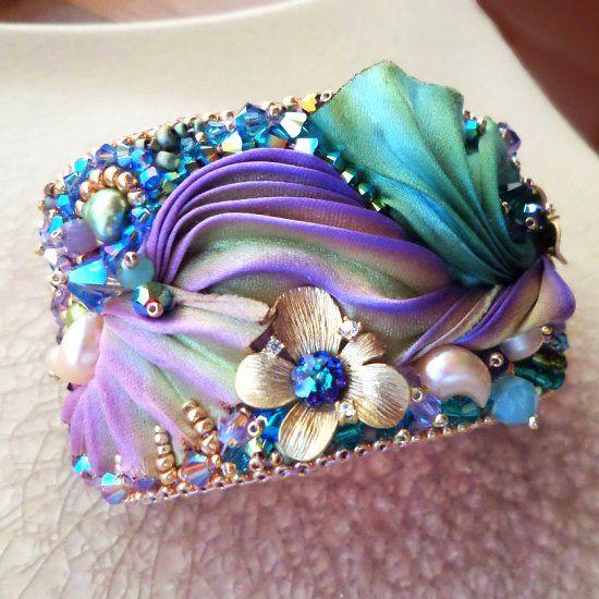 Learn the fundamental to make this beautiful Shibori Silk Cuff