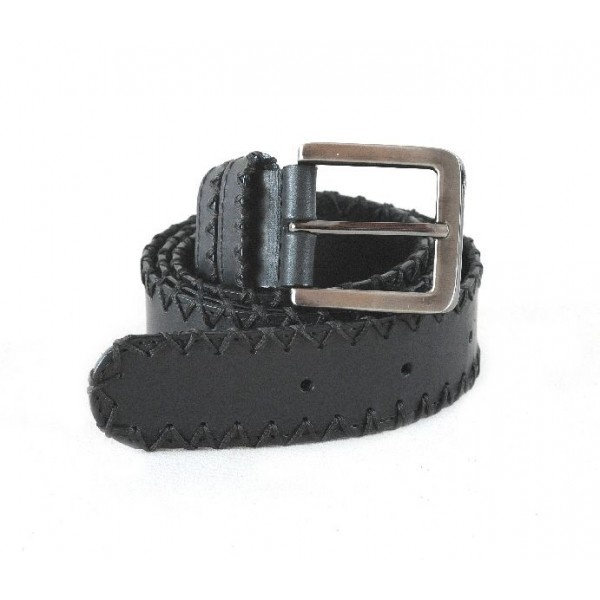 Leather belt decorated with manual stitching in x and one row mechanical stitched, 40 mm width.