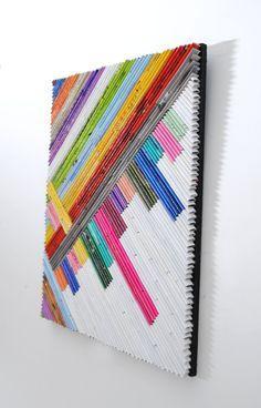 líneas modernas arte hecho de revistas recicladas rosas