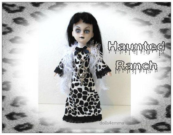 Levende dode Pop Goth Clothes - OOAK HAUNTED RANCH jurk + Boa Doodshoofd halssnoer - handgemaakte Custom mode - door dolls4emma