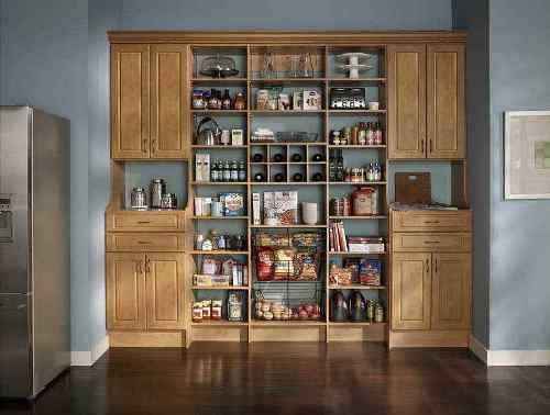 This open and closed pantry shelving system design brings a lot of charm to your country kitchen.