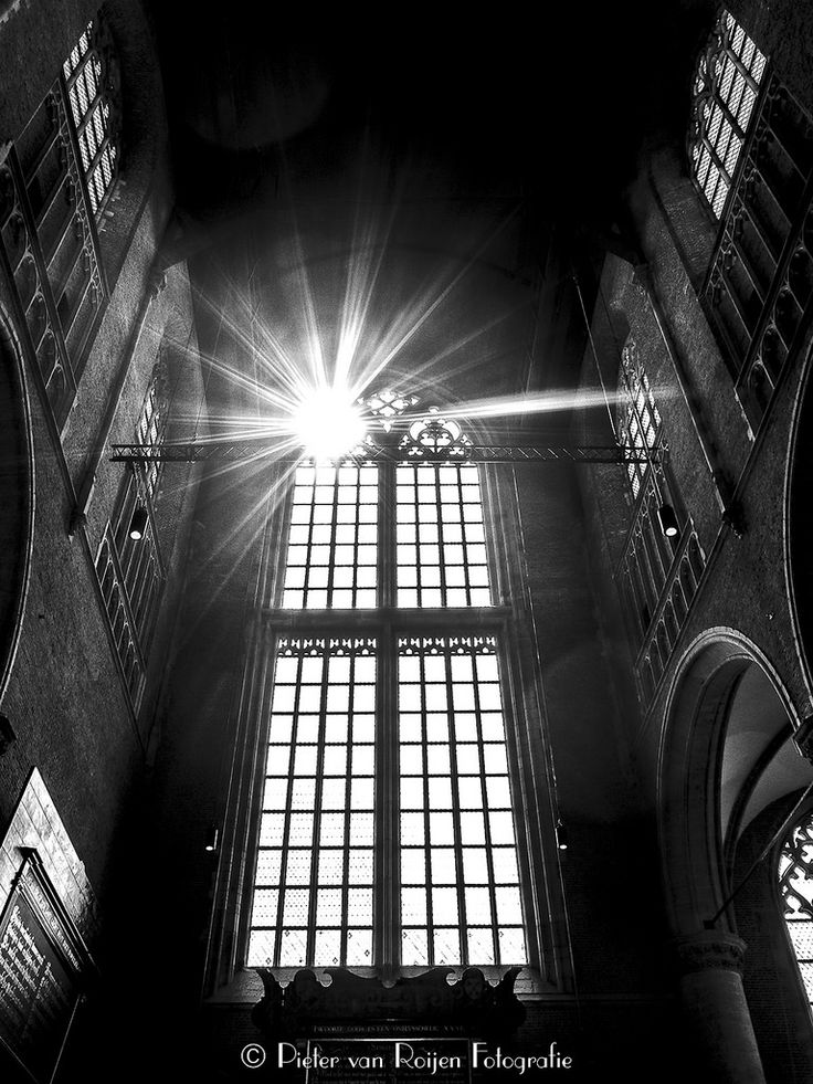 https://flic.kr/p/U1FwDJ | Pieterskerk, Leiden | The Pieterskerk is a late-Gothic church in Leiden dedicated to Saint Peter. It is best known today as the church of the Pilgrim Fathers where John Robinson was buried.The stained glass windows were completely destroyed in the gunpowder explosion of January 12, 1807. The windows were boarded up, and it wasn't until 1880 that a large-scale restoration took place.The building was deconsecrated in 1971.  Made with Fuji X20 and NIK SilverEfex Pro2