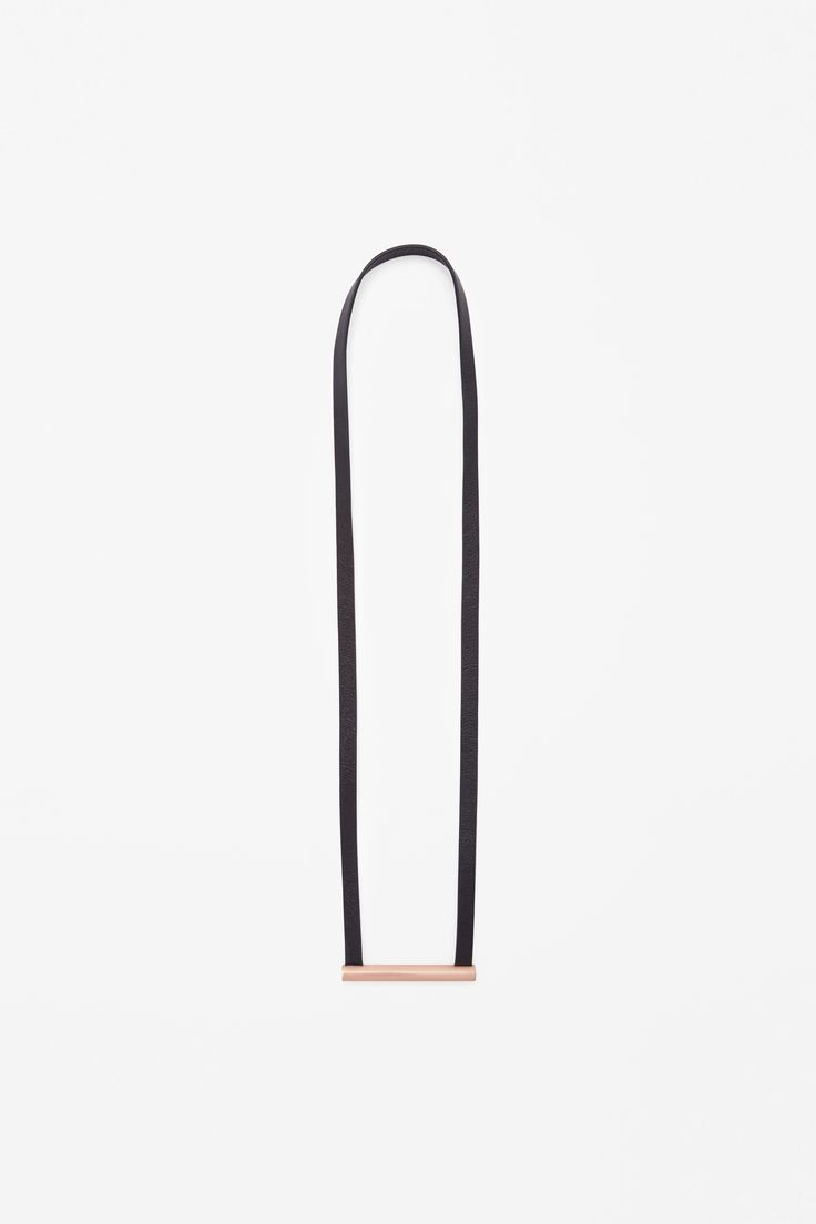 COS | Leather strap necklace