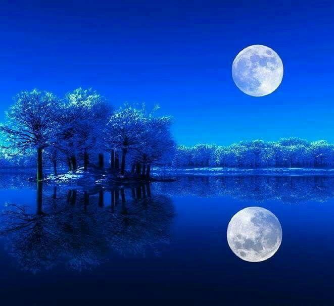 Vollmond Spiegelung Im Wasser Blitze Mond Sterne