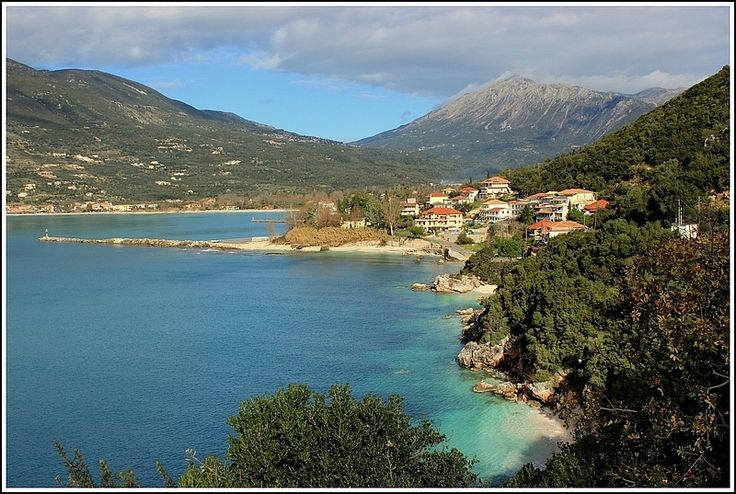 Vasiliki, Lefkada. Vasiliki is a small village in the southern part of Lefkada♥