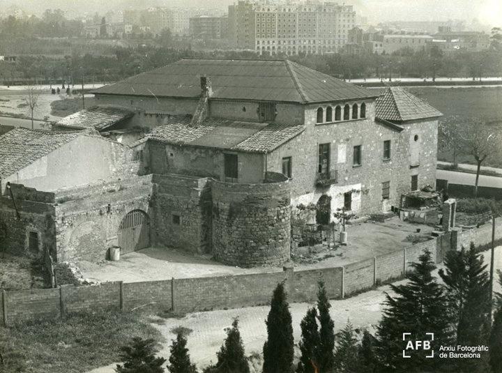 Torre Rodona, de Les Corts. Data, molt probablement, del primer terç del segle XX
