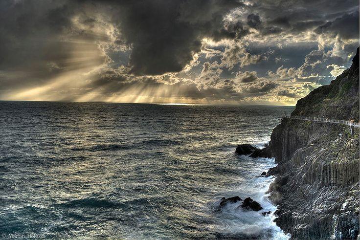 The Via dell' Amore on the coast of Riomaggiore, Italy  Martin Holusza of Takeley, Essex