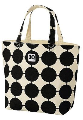 Uniqlo x Tiogruppen retro-style tote bags