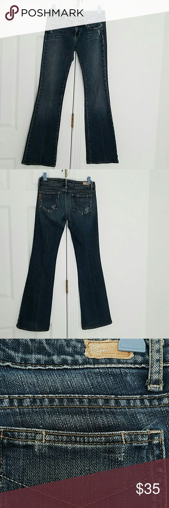 "SALE Paige Jeans Laurel Canyon size 26 Paige Jeans size 26.  30""inseam.good overall condition. Original hem.bootcut. Paige Jeans Jeans"