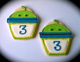 Have A Cookie!: Bot from Team Umizoomi. Maybe I can work the flood icing....... MAYBE.