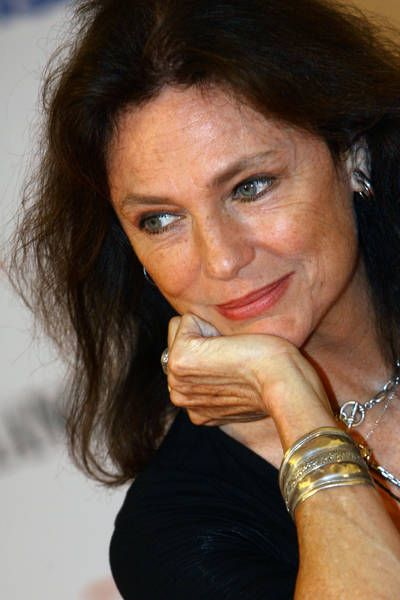 sight   Jacqueline Bisset--aging naturally and beautifully, it does not need to be all gray haired