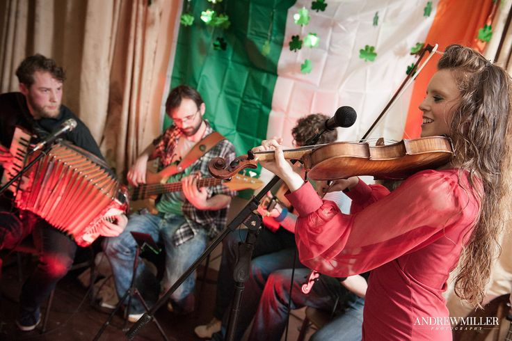 Margaret McCarthy with Torcán - Oiche Gaelach- 'A Traditional Night' in Cork, Ireland. © Andrew Miller (andrew@andrewmiller.photography) #music #Ireland #Irish #traditional