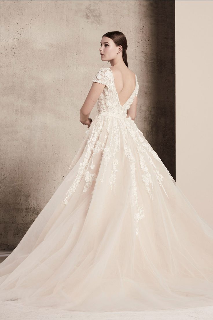 Puyanus wedding dress story