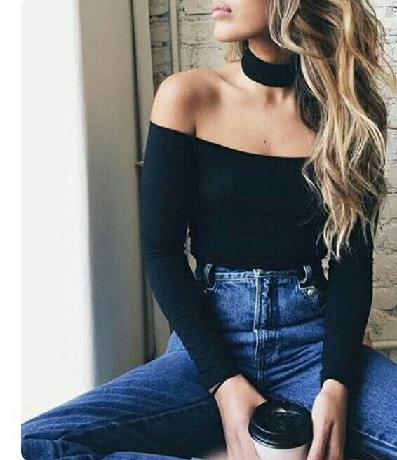 Off the shoulder blouse with a thick choker is always a good combination