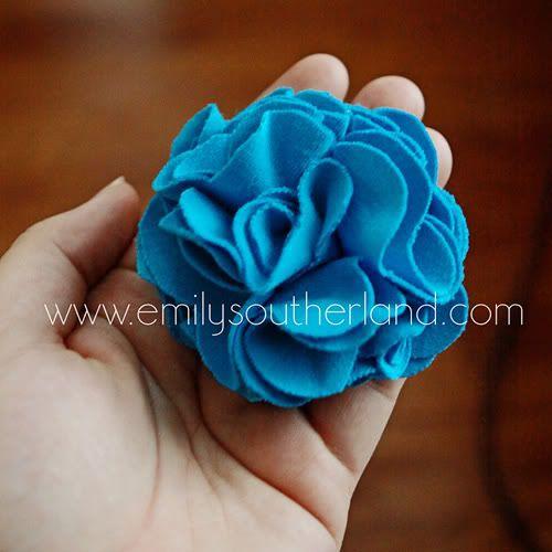 Blog de Little World Emily: fleur de tissu bricolage de t-shirt tissu