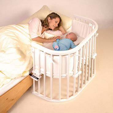 Tobi Babybay Original Beistellbett mit einer Liegefläche, die stufenlos höhenverstellbar ist.