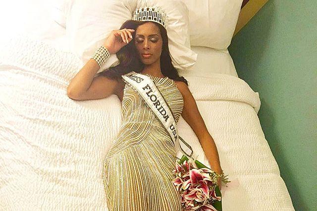 """Победительница конкурса """"Мисс Флорида США 2017"""" лишилась титула из-за своего визажиста"""
