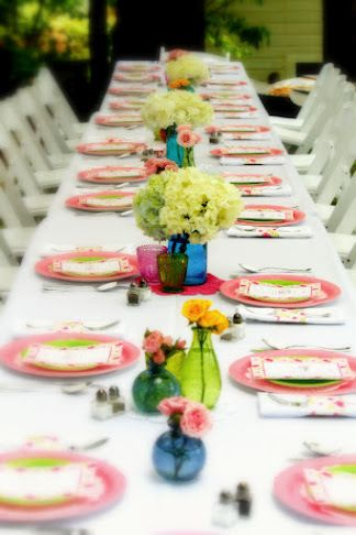 Tablescape using paper plates and hodge podge bottles for centerpieces & 14 best Paper plate table settings images on Pinterest | Harvest ...