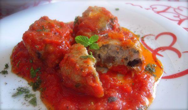 Polpette di sarde al sugo e menta: Ricetta Siciliana