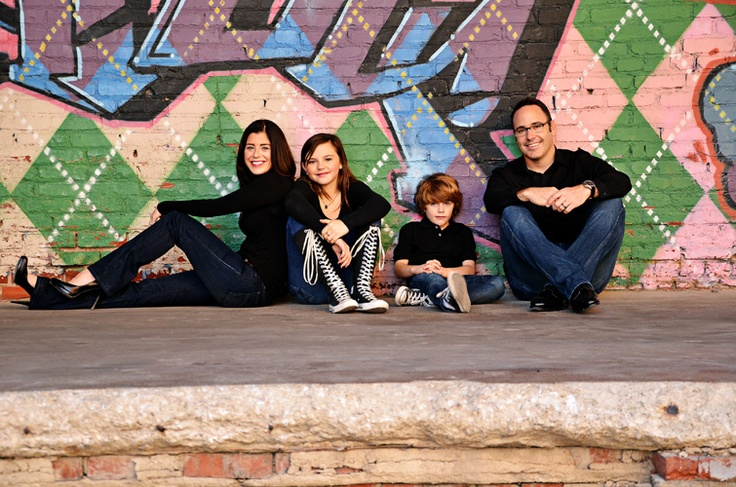 urban family photos, love the graffiti in the background