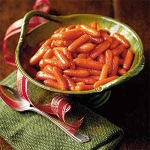♥♥♥♡♡ PEPPER JELLY GLAZED CARROTS  I'm taking this side dish to our family Christmas dinner...should spice things up a bit ;)