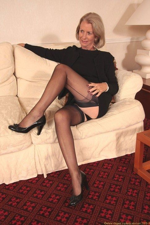 Classy mature women stockings and heels