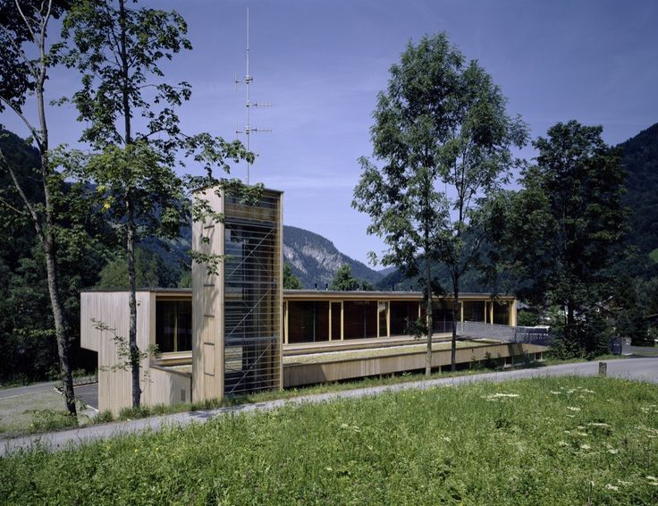 Gallery of Fire Station and Mountain Rescue Building / Dietrich | Untertrifaller Architekten - 7
