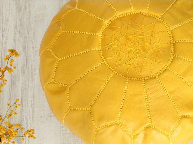 moroccan pouf yellow. puf marroquí amarillo. dar amïna shop