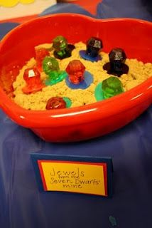Snow White Party - The Dwarfs Mining for Gems - Ring Pops in Brown Sugar