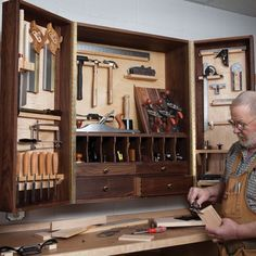 Hand-Tool Cabinet Woodworking Plan by Woodcraft Magazine
