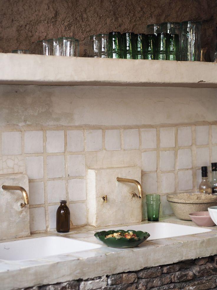 A cultural guide to Marrakech - La Famille restaurant - open kitchen