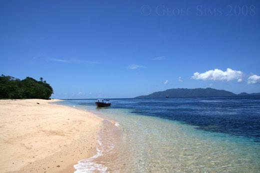 Nice Beach ; Pulau Hatta, Banda Islands, Maluku - Indonesia