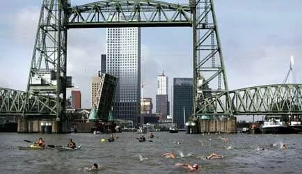 Zwemmen in de Maas