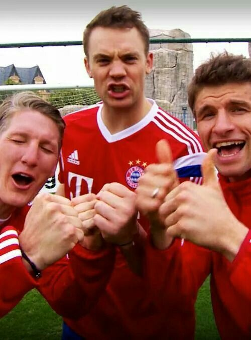 Again another Bayern instead of NT post, but this... Oh gosh, they're such dorks XD