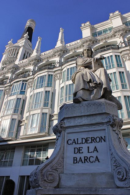 MADRID / Plaza de Santa Ana, Estatua de Calderón de la Barca