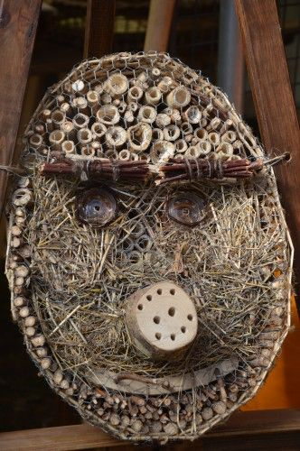 253 best hotel d 39 insectes images on pinterest bug hotel - Hotel a insectes ...