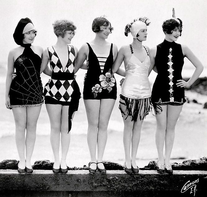 """Mack Sennett bathing beauties as """"sirens of the sea."""" c. 1920s - Left to right, featured are Connie Dawn, Betty Byrd, Thelma Parr, Nancy Hellman, Marion MacDonald."""