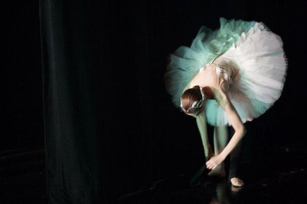 Behind the Scenes Photos of Darren Aronofsky's 'Black Swan'