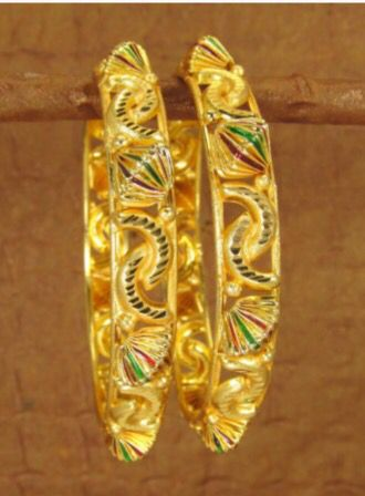 It's a gold rush and these gold bracelets with multi-color details. Available now. ➡️www.jainicol.com