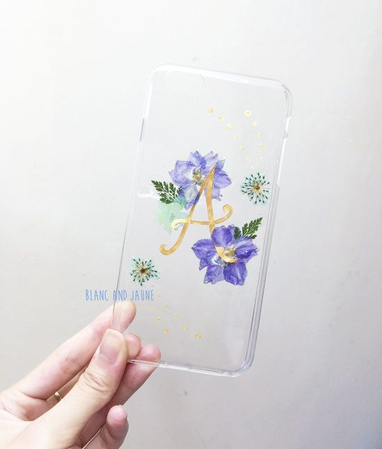 Initial >  * Hard case * IPhone 6 Plus case shown in the photos * The flower arrangement will be a slight difference for other devices cases due
