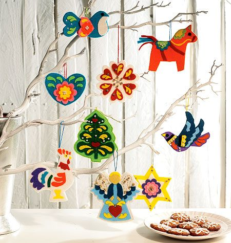 McCall's 6674 from McCall's patterns is a Christmas Decorations sewing pattern