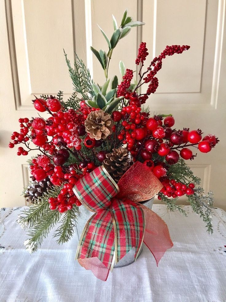 Excited To Share This Item From My Etsy Shop Christmas Centerpiece Christmas Arran With Images Christmas Table Decorations Christmas Centerpieces Christmas Arrangements