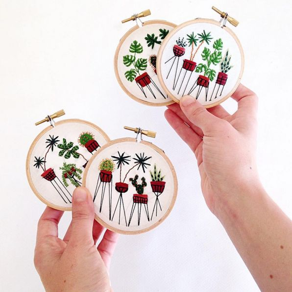 Sarah Benning  es una bordadora Americana afincada en Menorca que se ha especializado en bordar plantas. La descubrimos en Instagram...