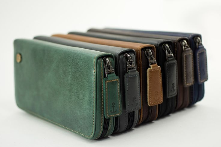 Large wallet. Women's wallet. Men's wallet. Genuine leather. Big wallet. Bourse. Wallet with many slots. Wallet with many compartments. Zip around wallet.