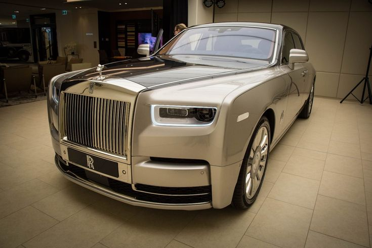 The nose of the new Rolls-Royce Phantom #luxurycars