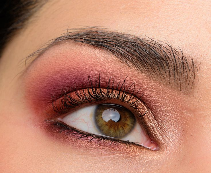Coloured Raine Queen of Hearts Eyeshadow Palette Review, Photos, Swatches